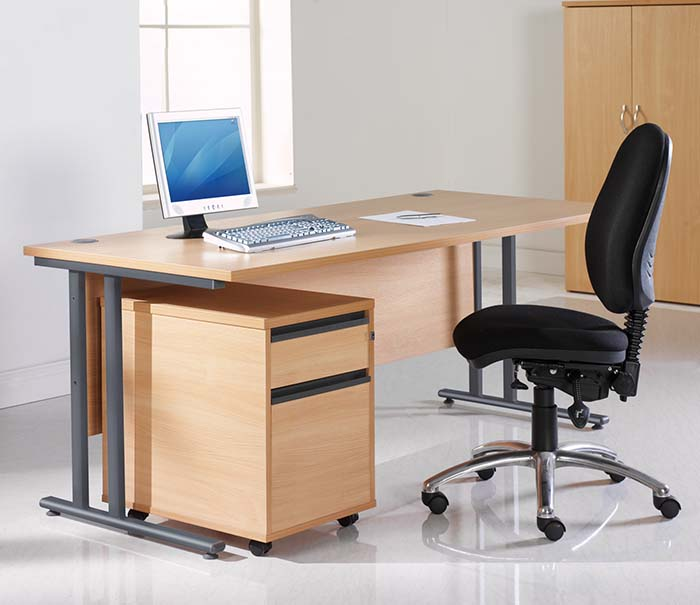 office furniture maestro desk 4